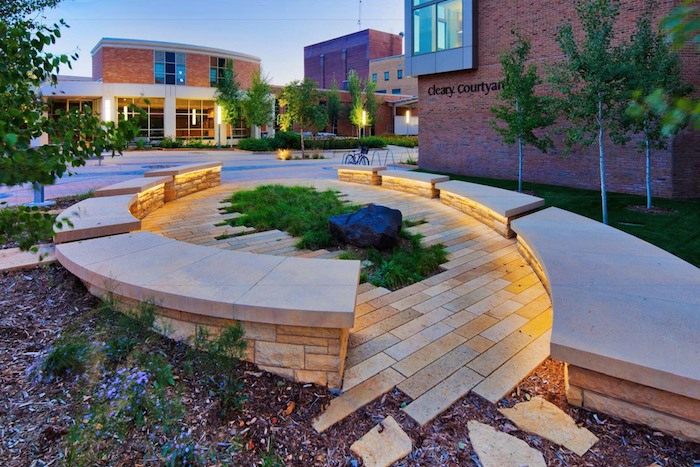 Cleary courtyard western technical college rdg asla for Courtyard landscape architecture